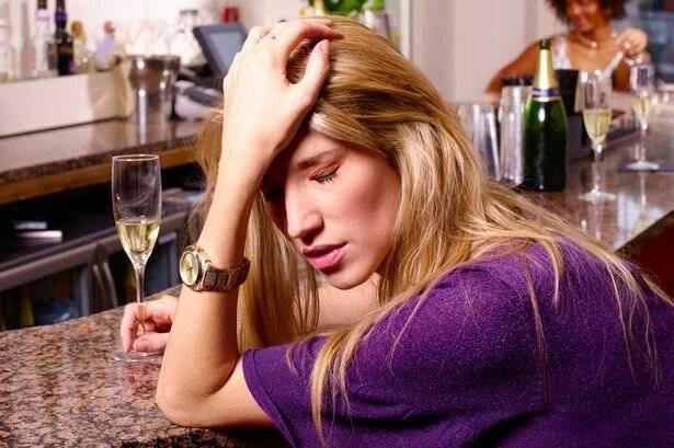 Симптомы женского алкоголизма: как вовремя распознать иможноли вылечить зависимость
