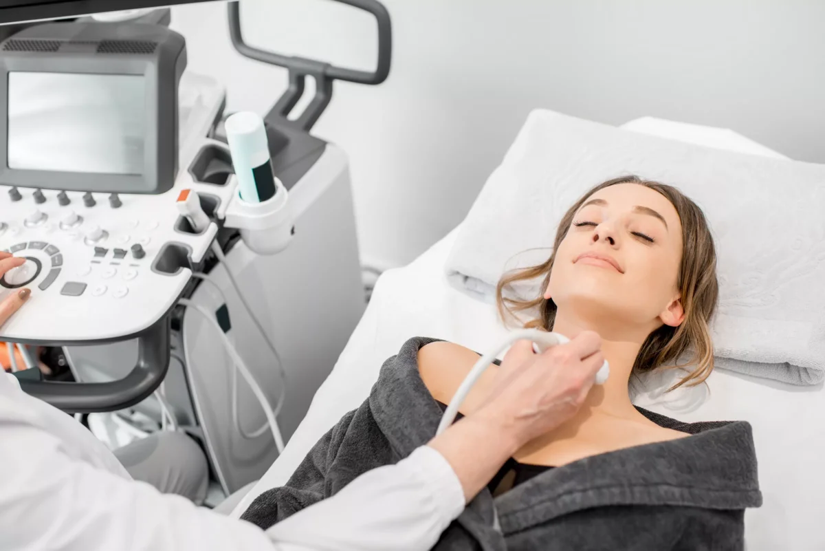 Как делают узи щитовидной железы?
