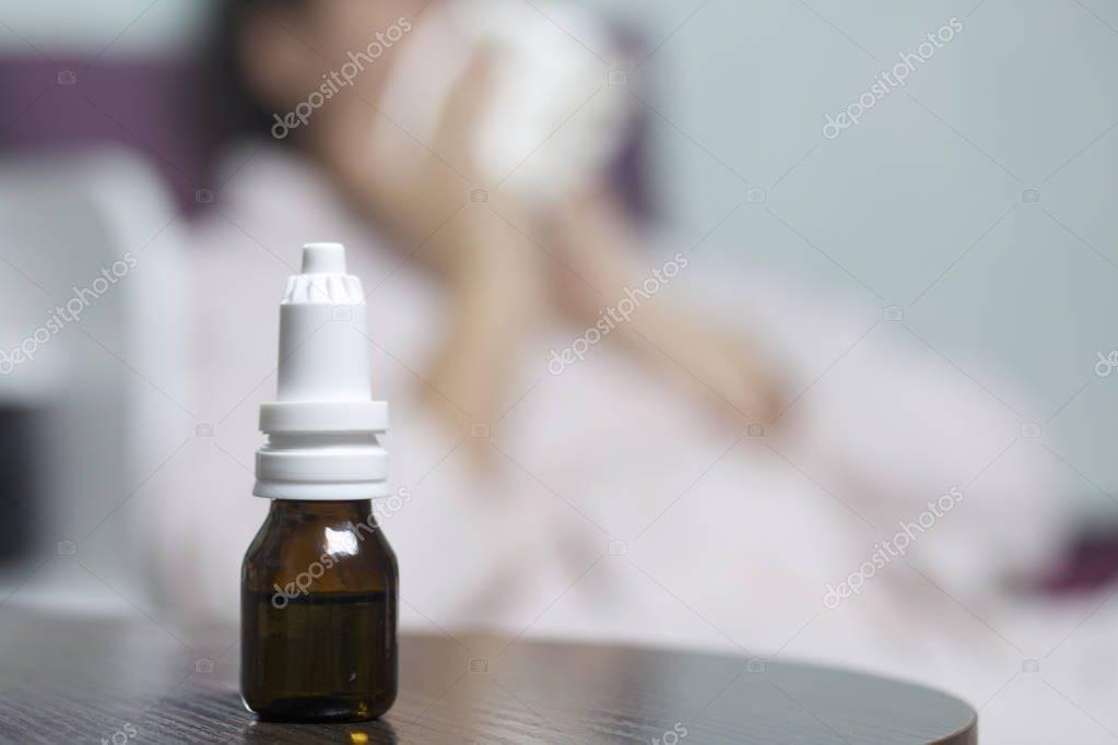 Лечение насморка каплями: как предупредить зависимость?