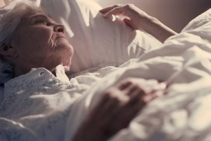 Как бороться с бессонницей в пожилом возрасте