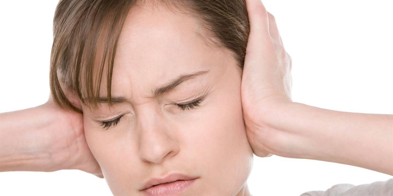 Причины звона в ушах: лечить постоянный звенящий шум в ухе
