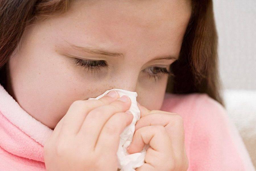 Насморк у детей. причины, стадии развития, симптомы и лечение насморка у детей