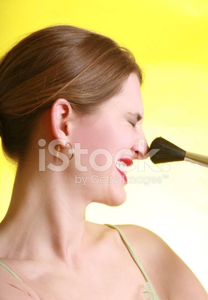 Раздражение в носу и чихание