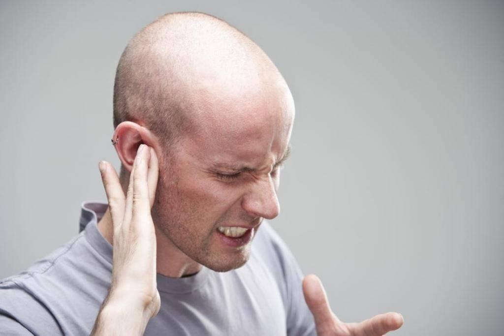 острая боль в ухе