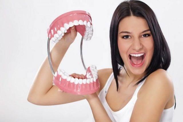Как выпрямить зубы без брекетов: различные методы и виды брекет-систем