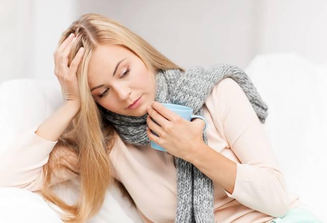 Температура 37, болит горло и насморк: что за болезнь и как лечить?