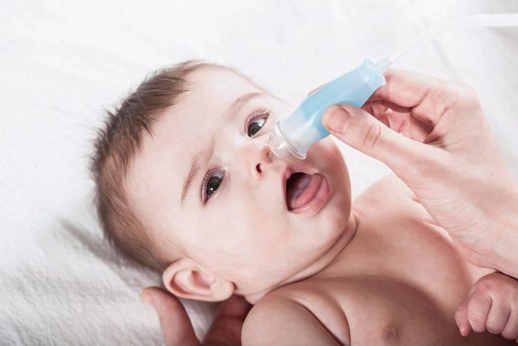 как прочистить нос ребенку от соплей