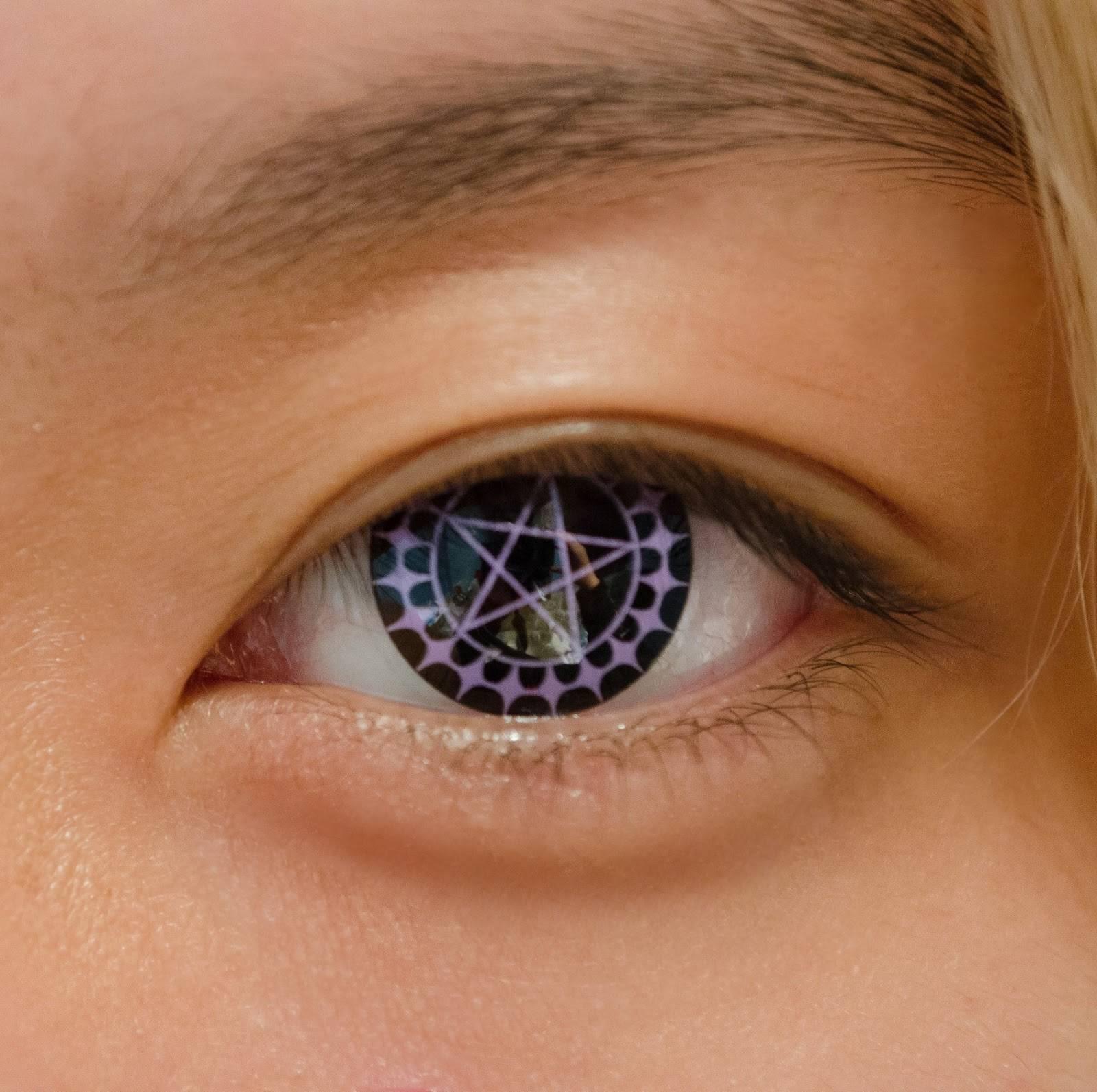 Линзы: со скольки лет можно носить детям для зрения, цветные