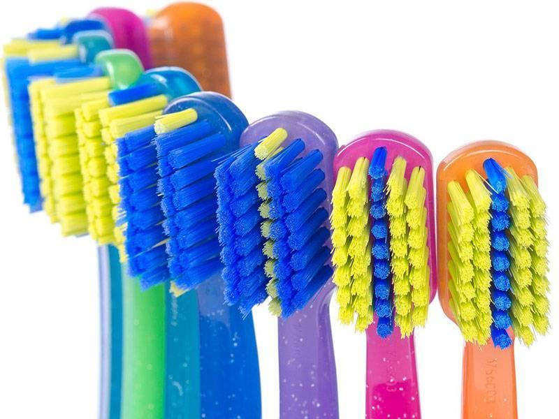 Ортодонтическая зубная щетка для брекетов: какая она?