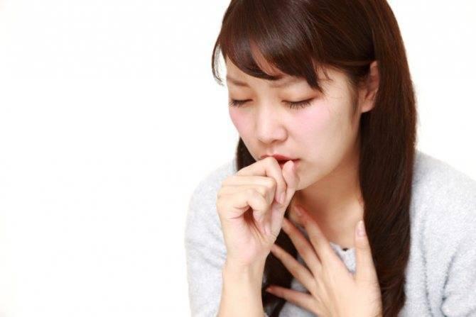 Лечение сухого и влажного кашля при фарингите медикаментозными и народными методами