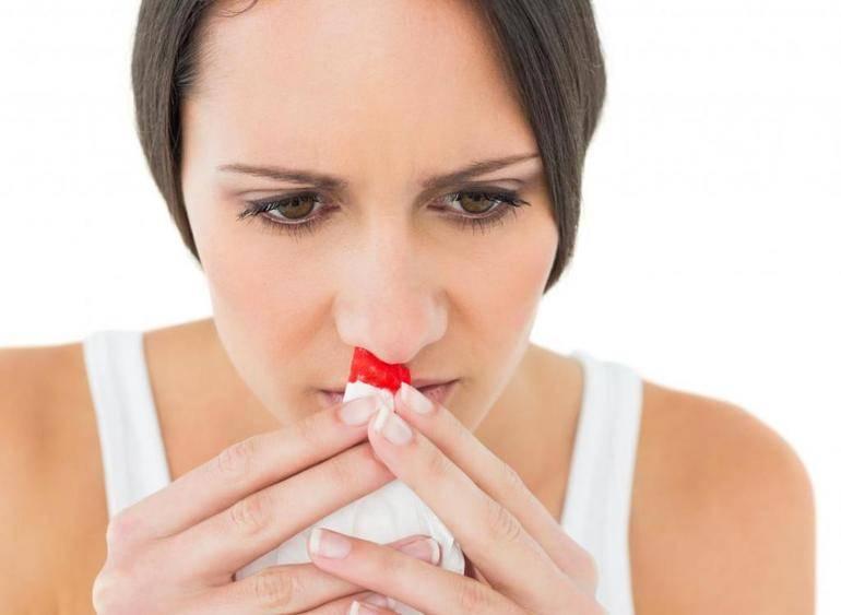 сгустки крови в носу по утрам