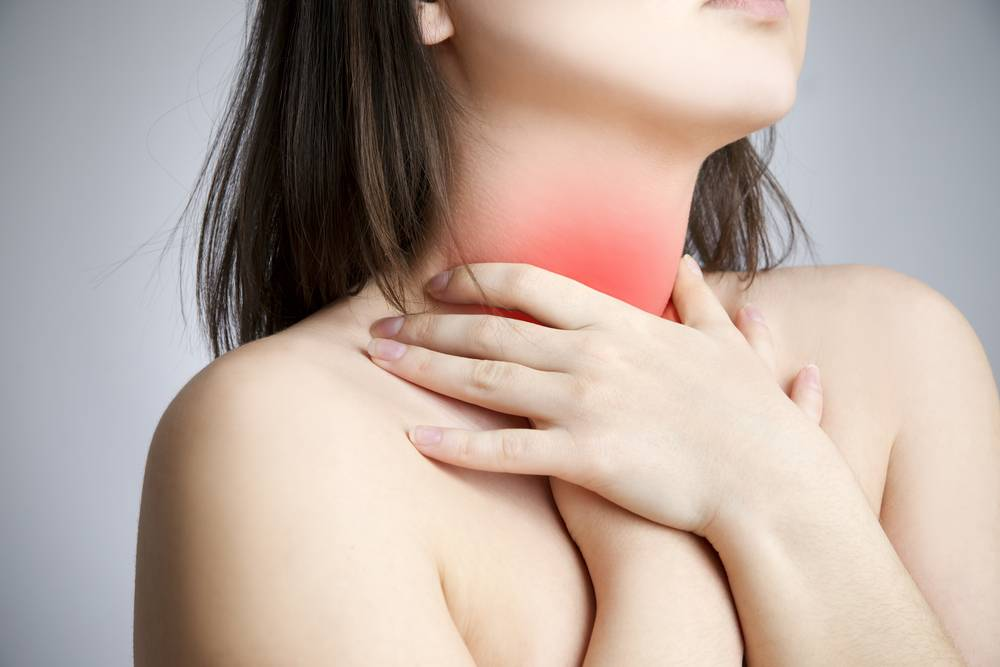 Болит горло с одной стороны: причины
