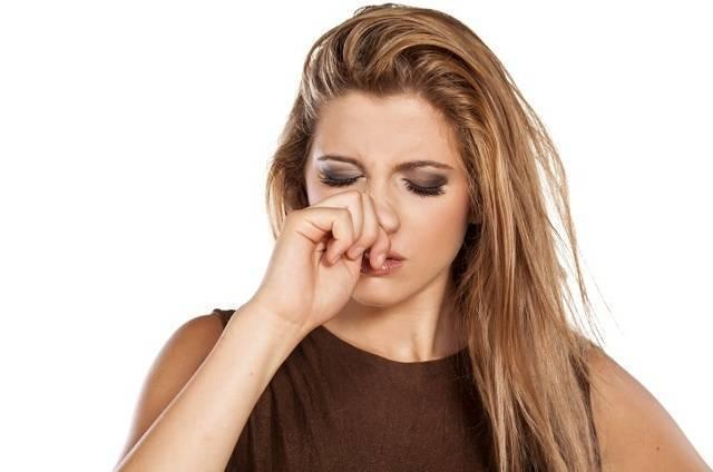 почему постоянно чешется нос