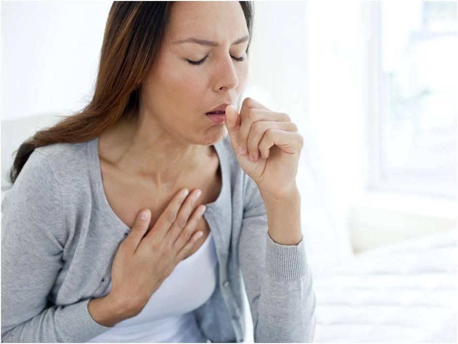 Зуд в горле вызывает кашель: что делать