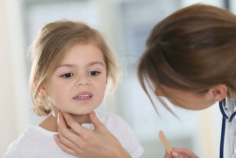 осипло горло у ребенка