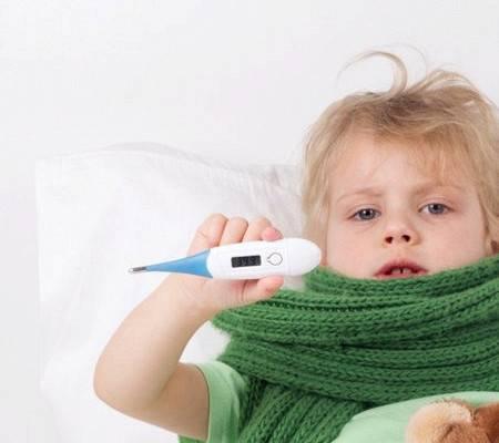 Можно ли гулять с ребёнком при насморке, зимой, мнение комаровского
