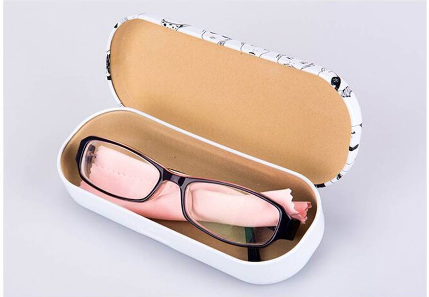 Чем обезжирить стекло  очков для зрения, как протереть, чем чистить линзы