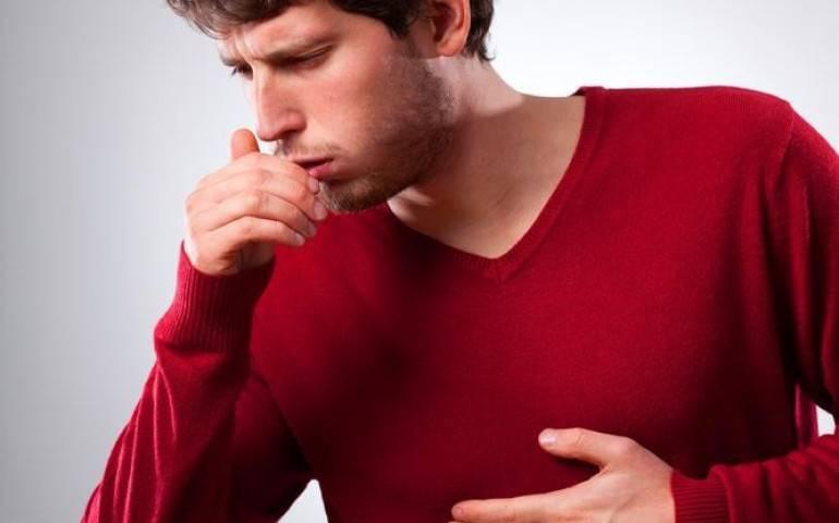 В чем причина кашля со свистом у ребенка и что с этим делать