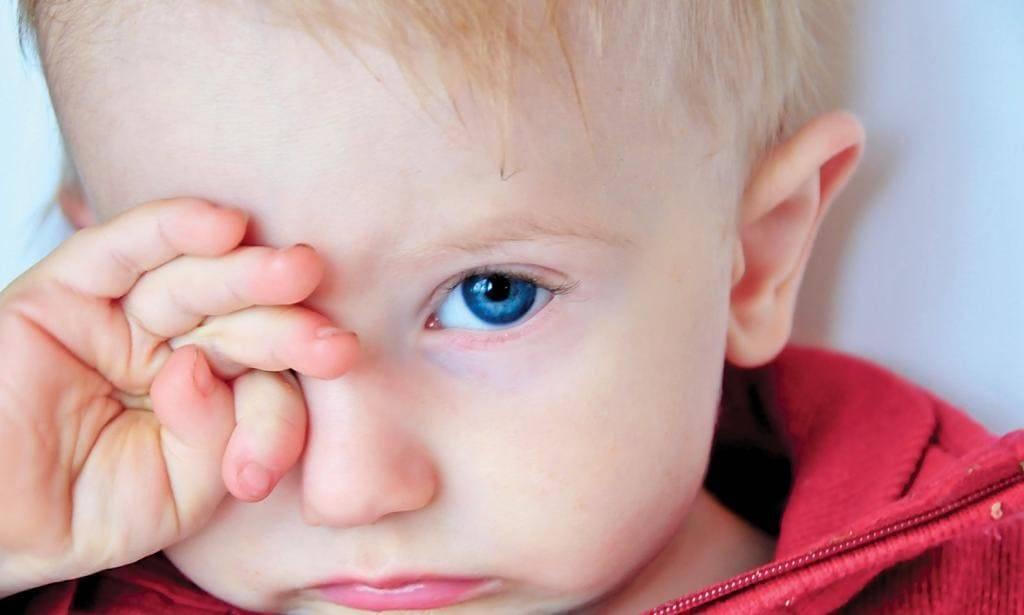 Частое моргание глазами у детей. причины и лечение нервного тика, судорожных движений