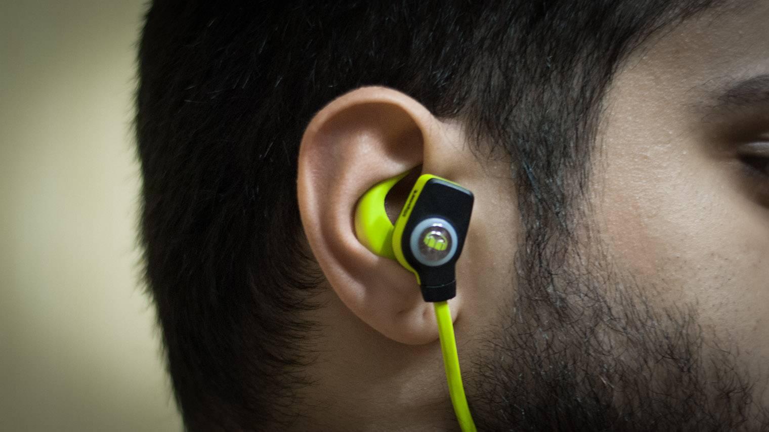 Что делать, если наушники давят на уши
