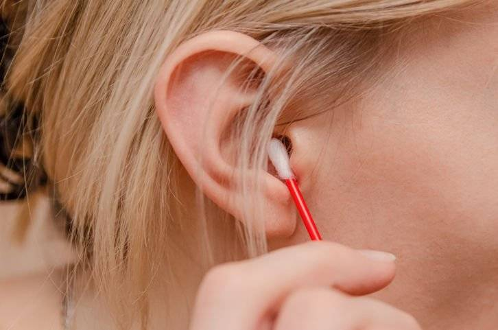 Отоларинголог: «цвет ушной серы расскажет всё о состоянии здоровья!»