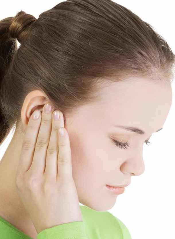 больно глотать отдает в уши