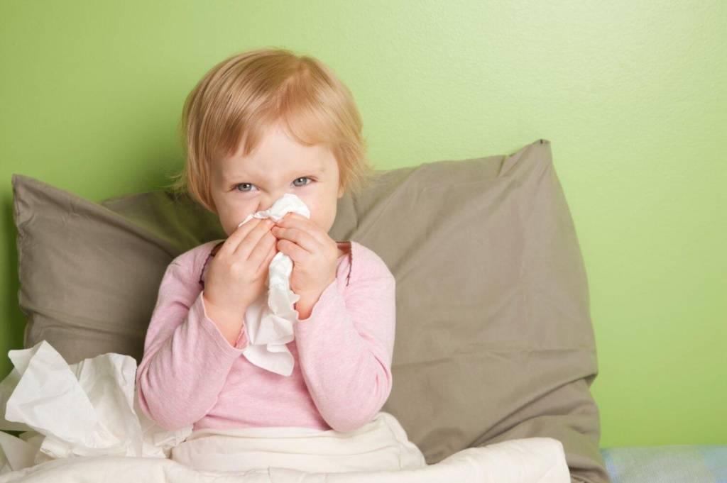 Чем лечить насморк у ребенка