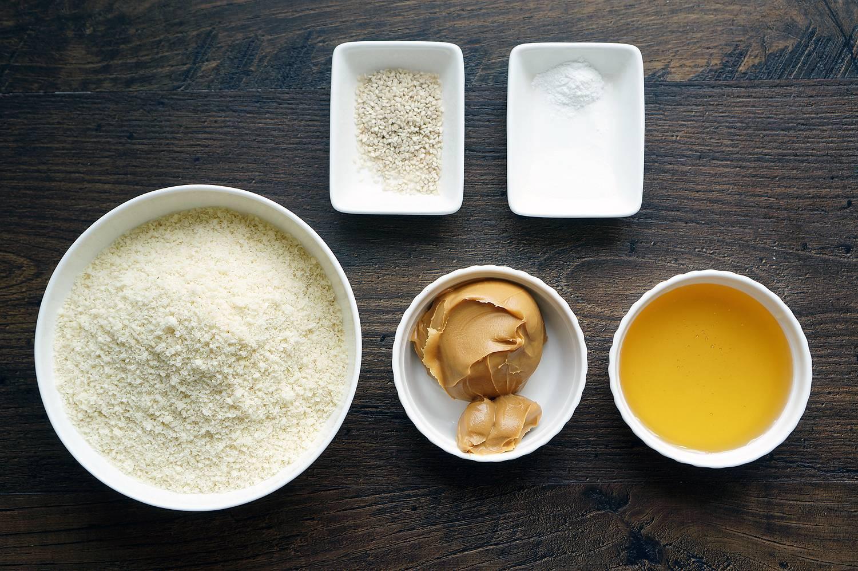 Рецепты приготовления лепешек с медом и горчицей от кашля