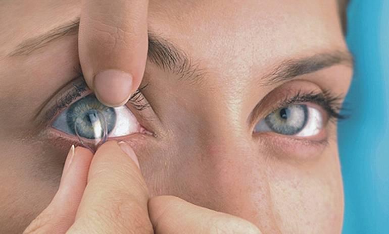 Что будет, если не снимать линзы, и насколько важен отдых от них для глаз?