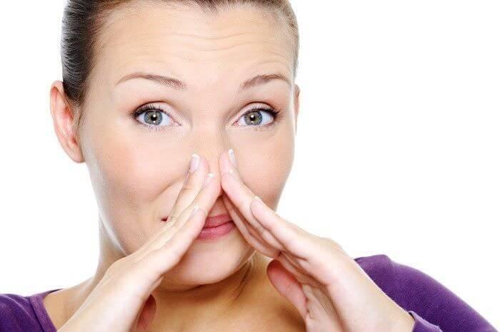 Корки в носу: кровяные, сухие - почему образуются, как лечить детям и взрослым