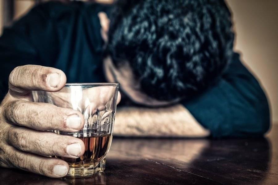 Почему возникает депрессия после употребления алкоголя?