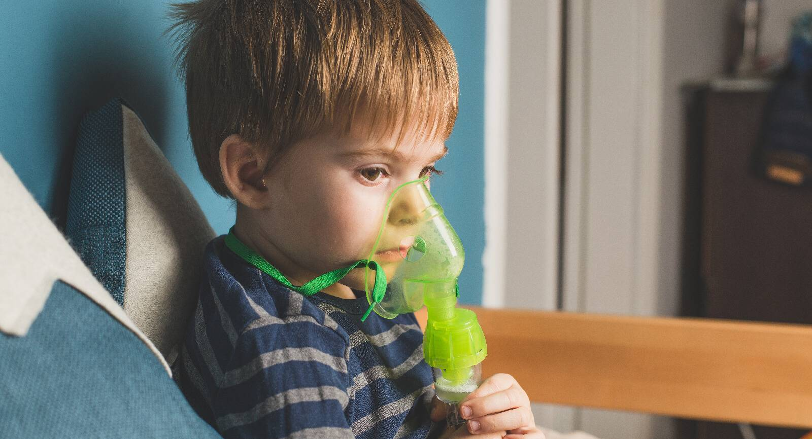 Ингаляции небулайзером при ангине: процедура и эффективные препараты для взрослых и детей