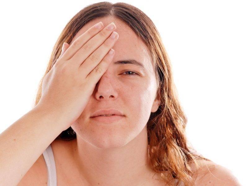 Почему возникает боль в глазах от света