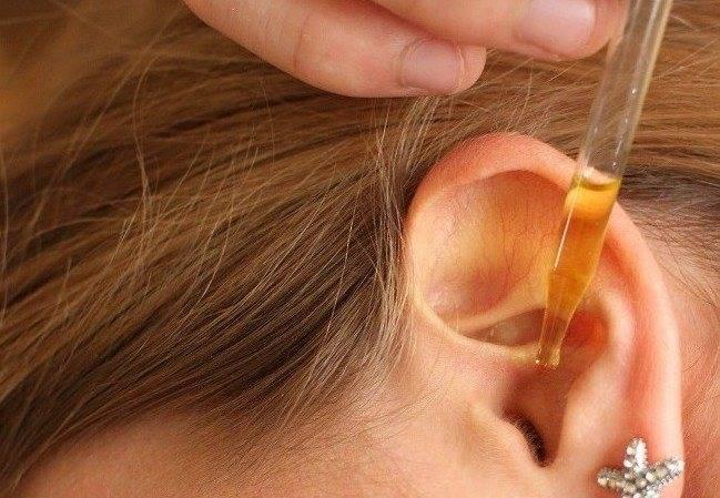 В ухе как будто пузыри лопаются || в ухе как будто пузыри лопаются