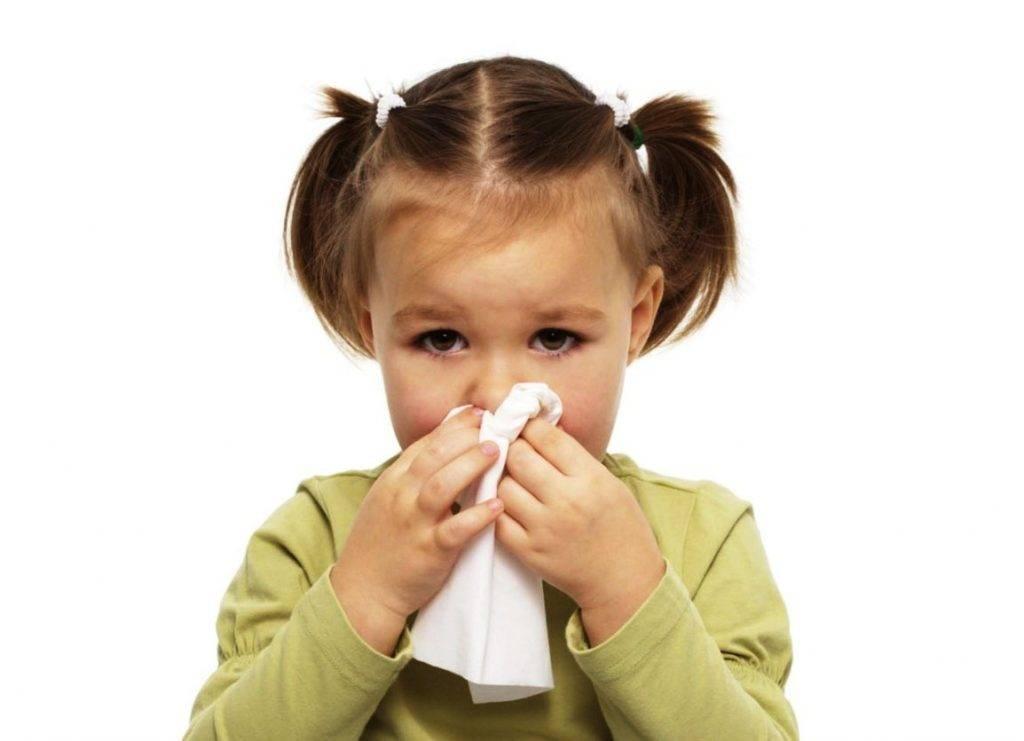Что делать если у ребенка не проходит насморк неделю