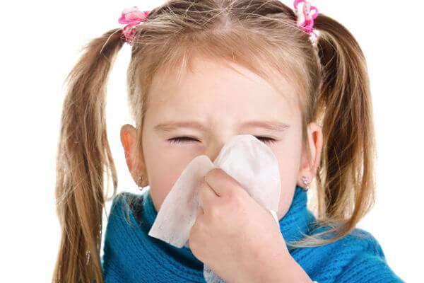 почему при насморке слезятся глаза