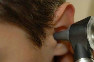 Болит горло больно глотать отдает в уши и кашель