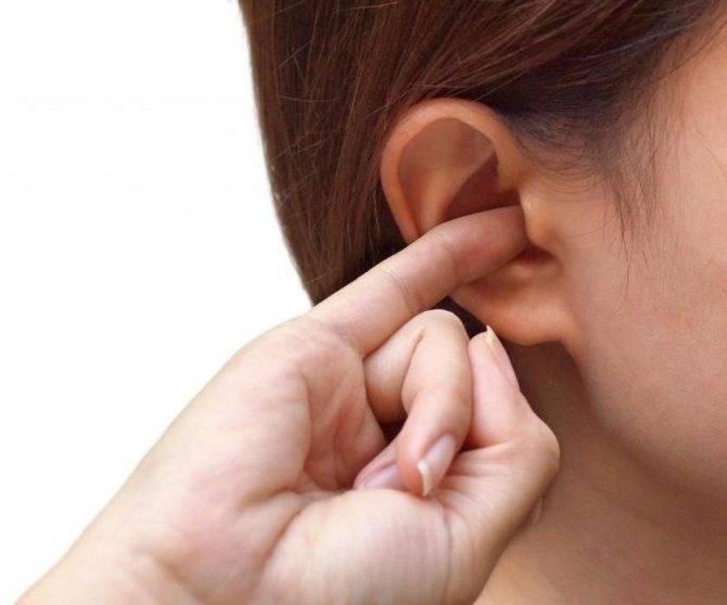 7 причин, почему у вас болит ухо