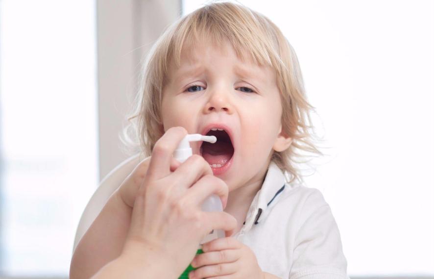 как лечить горло у ребенка 1 год