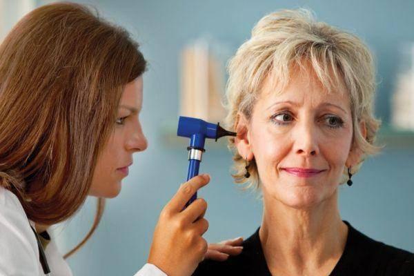 Ушной гул: отчего появляется и как убрать симптом