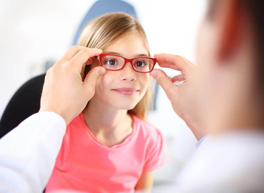 Миопия или в обиходе - близорукость: причины развития и лечение