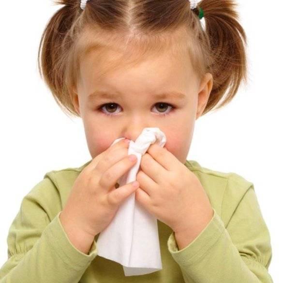 У ребенка насморк и кашель без температуры: что это значит?