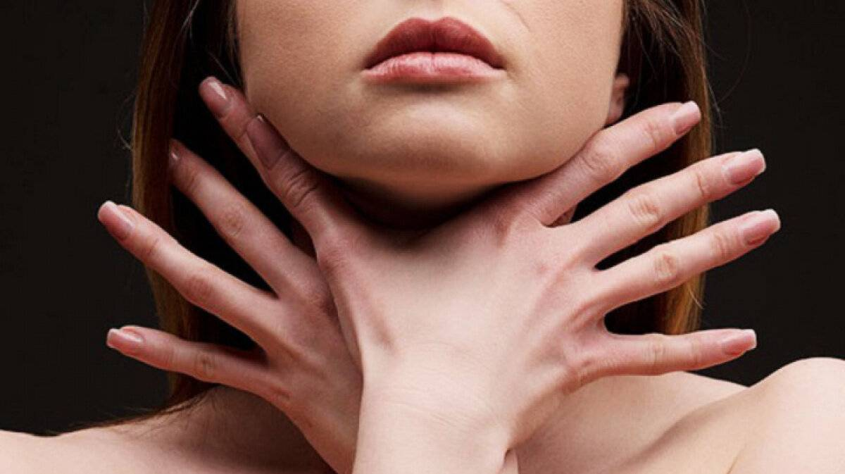Что-то мешает в горле при глотании: возможные заболевания и методы их лечения