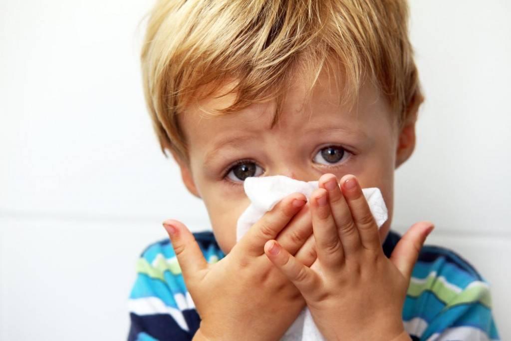 можно ли гулять с ребенком при насморке и кашле зимой