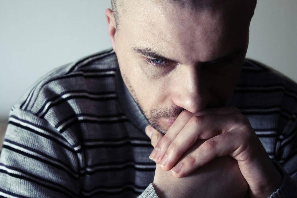 Депрессия у мужчин: симптомы, признаки и лечение
