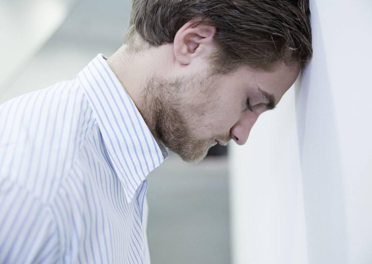 Депрессия у мужчин: симптомы, признаки, как лечить