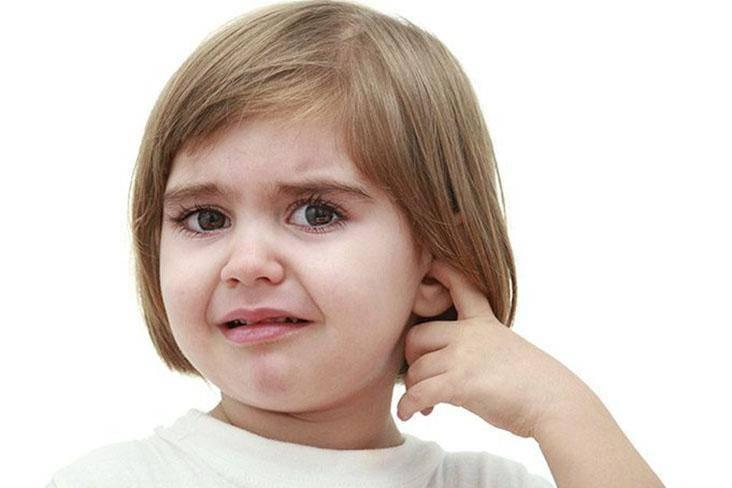Как узнать если у грудничка болят уши