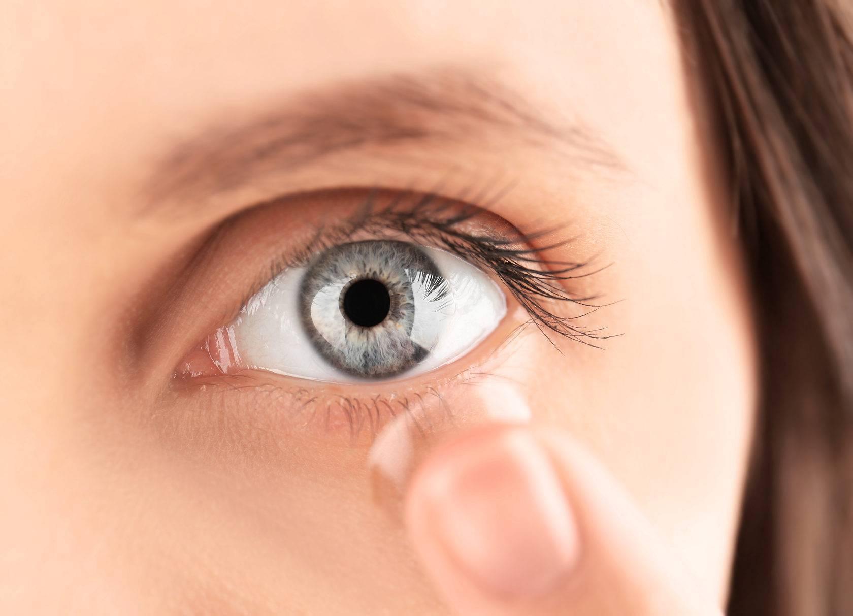 Как правильно и легко снять контактные линзы с глаз