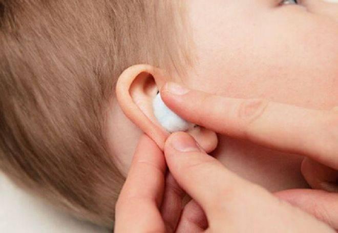 Кровь из уха при отите у взрослых