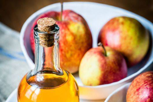 полоскать горло яблочным уксусом